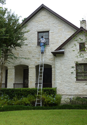Residential Window Cleaning & Commercial Window Washing Services in Houston